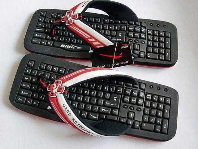 Открытка с клавиатурой, экран телефона